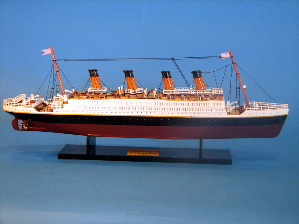 Handcrafted Model Ships RMS Titanic Limited 20""