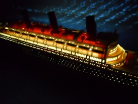 "Handcrafted Model Ships RMS Titanic Limited 50"" w/ LED Lights"