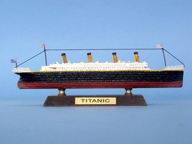 Handcrafted Model Ships RMS Titanic Limited 7""